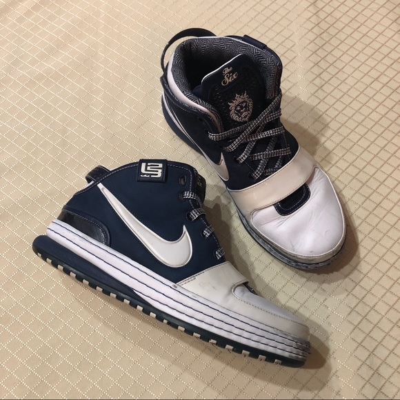 "buy online e9417 79865 Nike Zoom Lebron 6 ""Yankees"" Sneakers. M 5c09b3ce12cd4a0bdfe622e2"